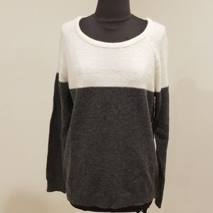 NWT! Forever 21 Sz M Cream/Grey Wool Blend Sweater